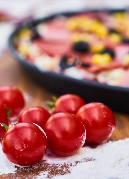 cheese-cherry-tomatoes-close-up-1438670